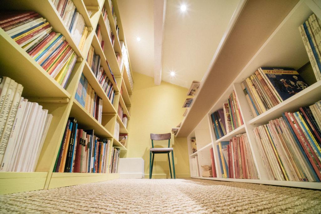 Des rangements partout pour ranger toutes les BD de notre collectionneur