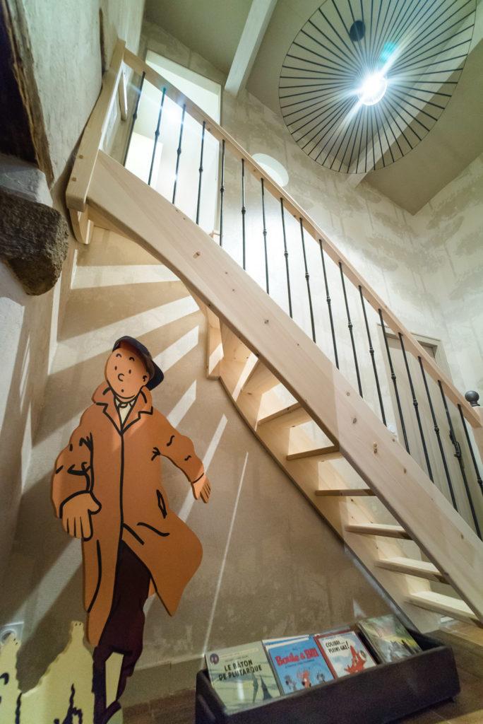 tintin nous accueille dès l'escalier qui mène au bureau